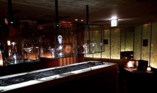 銀座の会員制ラウンジ、ルーチェの店内画像