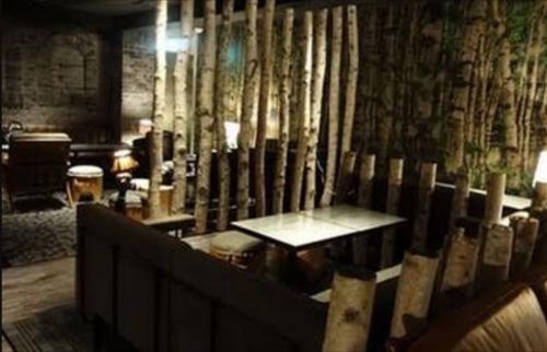 恵比寿の会員制ラウンジ、ビゼハウスの店内画像
