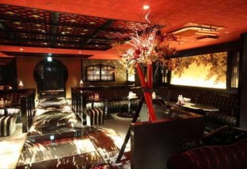 六本木の私服高級キャバクラ、舞人(マイト)の店内画像
