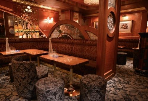 六本木の私服キャバクラ、リムジンダイニング(limousinedinning)の店内画像2
