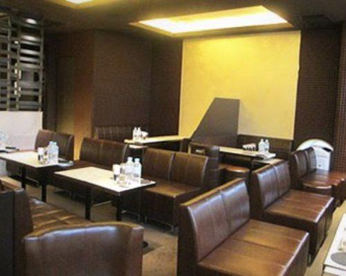 銀座の高級クラブ、クラブ上田(clubueda)の店内画像3