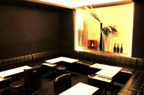 銀座の高級クラブ、クラブ上田(clubueda)の店内画像