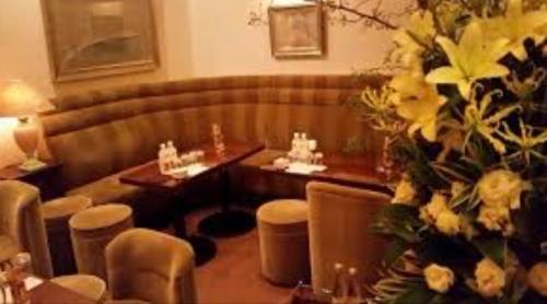 銀座の高級クラブ、瑞木の店内画像2