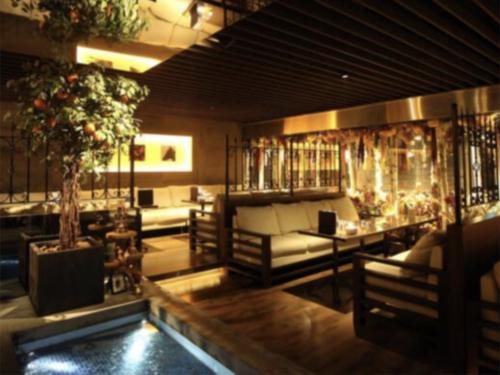 歌舞伎町のキャバクラ、オレンジテラス
